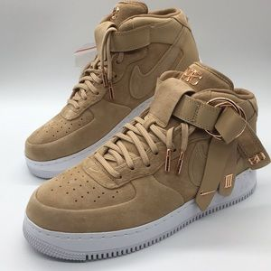 Nike Shoes - Nike Air Force 1 Mid CMFT V CRUZ